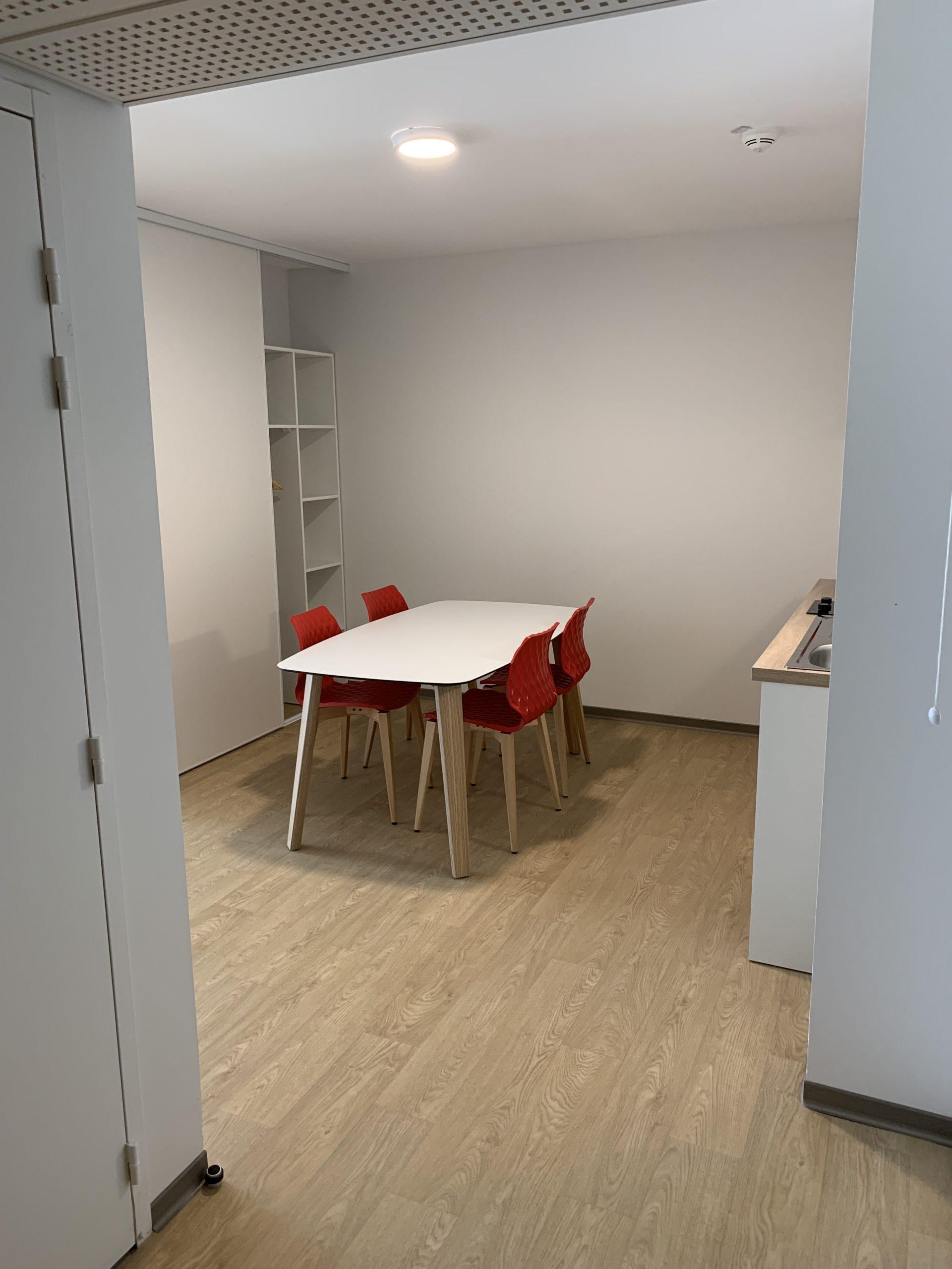 CIS_chambre coin cuisine